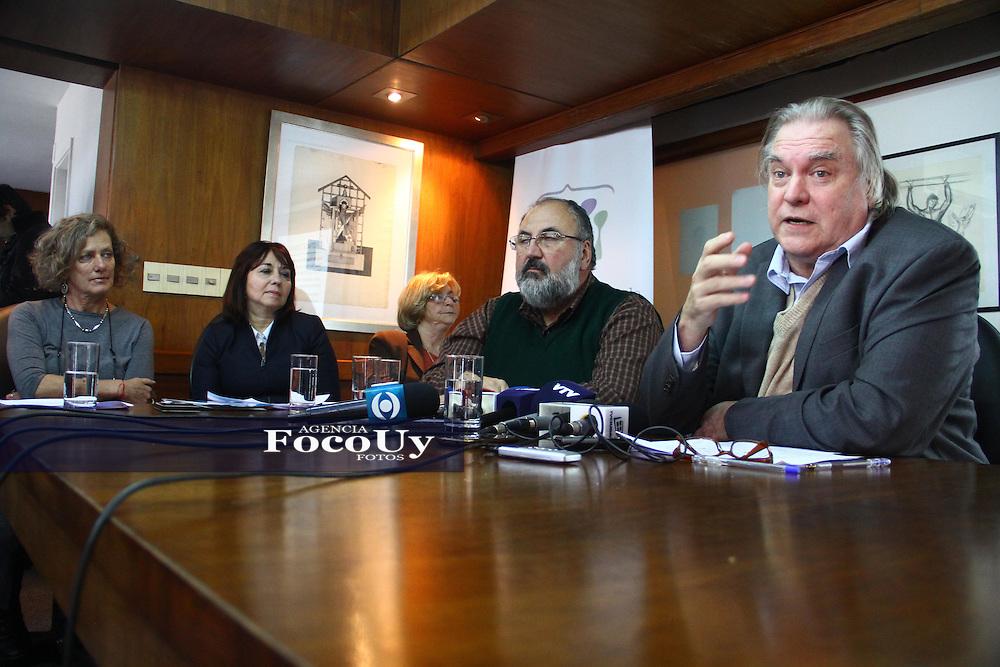 Montevideo, 9 de mayo. Instituto Nacional de Derechos Humanos,  dando a conocer el informe anual.<br /> Foto Gaston Britos Agencia Foco