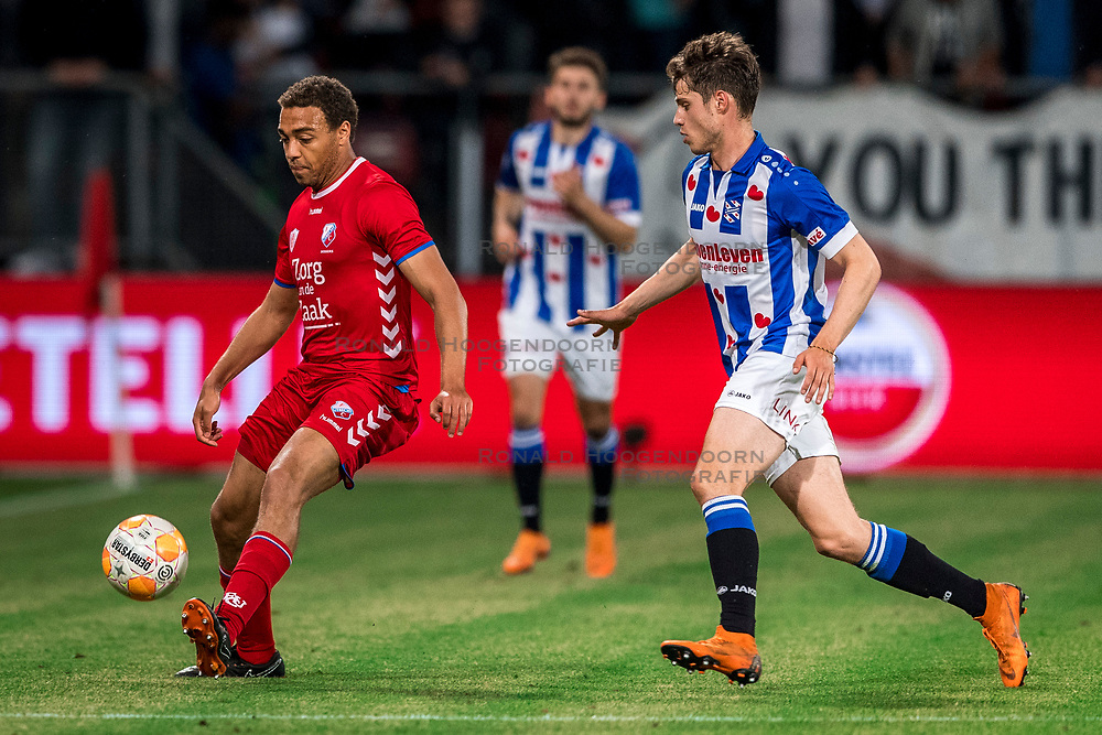 12-05-2018 NED: FC Utrecht - Heerenveen, Utrecht<br /> FC Utrecht win second match play off with 2-1 against Heerenveen and goes to the final play off / Cyriel Dessers #11 of FC Utrecht, Kik Pierie #5 of SC Heerenveen