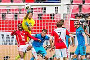 UTRECHT - 21-08-2016, FC Utrecht - AZ, Stadion Galgenwaard, 1-2, FC Utrecht speler Gyrano Kerk, AZ keeper Sergio Rochet, AZ speler Wout Weghorst, AZ speler Rens van Eijden