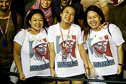 September 19, 2019, Singapore, Singapore: Motorsports: FIA Formula One World Championship 2019, Grand Prix of Singapore, ..Fans of #44 Lewis Hamilton (GBR, Mercedes AMG Petronas Motorsport) (Credit Image: © Hoch Zwei via ZUMA Wire)