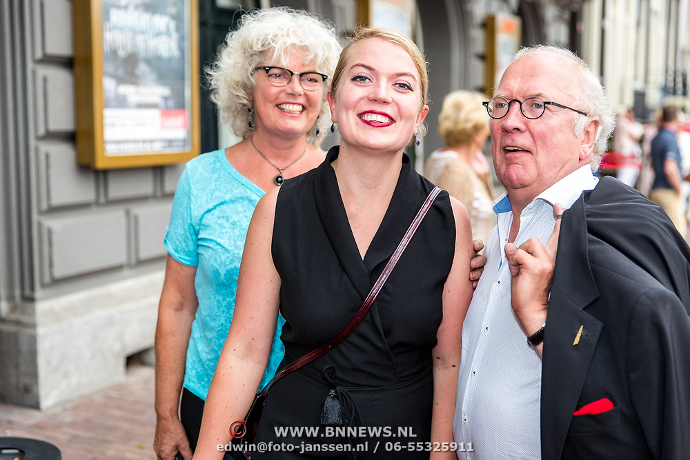 NLD/Amsterdam/20170823 - Premiere Grootste Zwanenmeer ter wereld, Harry Slinger, partner Marijke van der Pol en .........