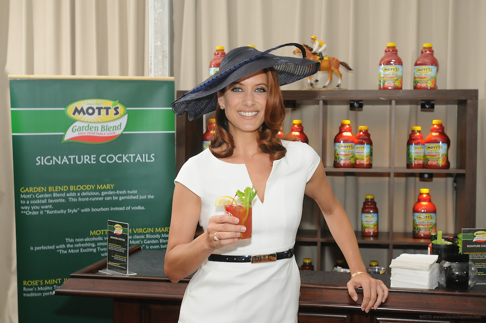 "Celebrating the launch of the new Mott's vegetable juice, Kate Walsh hosts the Mott's Garden Blend VIP Suite and helps Derby-goers get the day started ""on the right track,"" Saturday, May 7, 2011 at the Kentucky Derby in Louisville, Ky. (Photo by Brian Bohannon)"