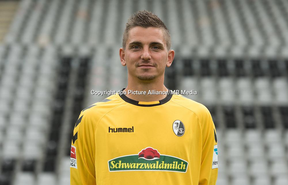 German Bundesliga - Season 2016/17 - Photocall SC Freiburg on 5 August 2016 in Freiburg, Germany: Goalkeeper Patrick Klandt. Photo: Patrick Seeger/dpa | usage worldwide