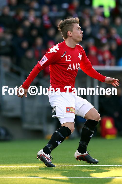 23.4.2015, Sonera Stadion, Helsinki.<br /> Veikkausliiga 2015.<br /> Helsingfors IFK - Helsingin Jalkapalloklubi.<br /> Otto-Pekka Jurvainen - HIFK