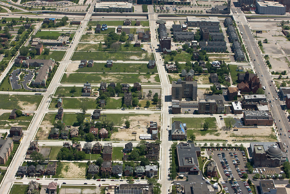 Brush Park Neighborhood at the north edge of downtown just outside of I75 seen at top of image. Woodward Ave to far right.