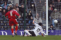 Photo: Paul Thomas.<br /> Fulham v Leyton Orient. The FA Cup. 08/01/2006.<br /> <br /> The Fulham crowd watch Joe Kieth of Orient fire in their second goal.