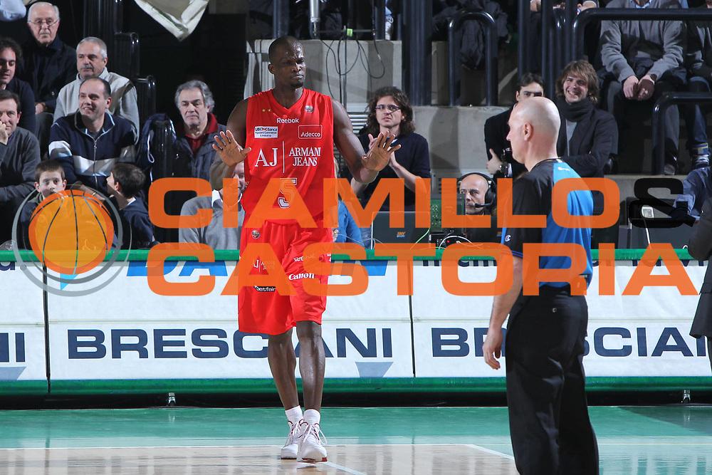 DESCRIZIONE : Treviso Lega A 2010-11 Benetton Treviso Armani Jeans Milano<br /> GIOCATORE : Benjamin Eze<br /> SQUADRA : Armani Jeans Milano <br /> EVENTO : Campionato Lega A 2010-2011 <br /> GARA : Benetton Treviso Armani Jeans Milano<br /> DATA : 29/01/2011<br /> CATEGORIA : Ritratto<br /> SPORT : Pallacanestro <br /> AUTORE : Agenzia Ciamillo-Castoria/G.Contessa<br /> Galleria : Lega Basket A 2010-2011 <br /> Fotonotizia : Treviso Lega A 2010-11 Benetton Armani Jeans Milano<br /> Predefinita :