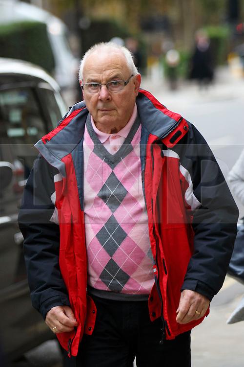 © Licensed to London News Pictures. 17/11/2016. London, UK. David Honeybell, a witness at Jo Cox case arrives at The Central Criminal Court on 17 November 2016. Photo credit: Tolga Akmen/LNP