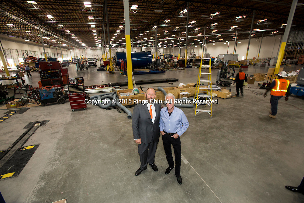 David Weissberg, left, CEO of Acorn Paper Products Co., and Dennis Mehiel of  US Corrugated. <br /> Photo by Ringo Chiu/PHOTOFORMULA.com)
