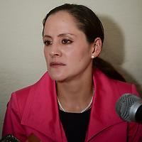 Toluca, México.- María del Rocío Pedraza Ballesteros, tercer síndico municipal de Toluca en conferencia de prensa rechazo el incremento de 5.4 por ciento que el impuesto predial tendrá el próximo año en este municipio,  considerando que será un duro golpe para la economía de las mayorías en  Toluca. Agencia MVT / Crisanta Espinosa