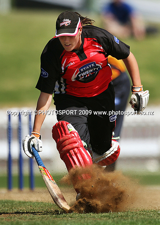 Michelle Mitchell makes her ground.<br /> State League 20/20 final. Wellington Blaze v Canterbury Magicians at Allied Prime Basin Reserve, Wellington. Saturday, 25 January 2009. Photo: Dave Lintott/PHOTOSPORT