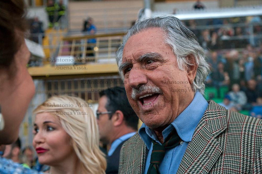 Lando Buzzanca, appena insignito della cittadinanza onoraria, allo Stadio Renzo Barbera di Palermo per la Partita della Vita 2017.