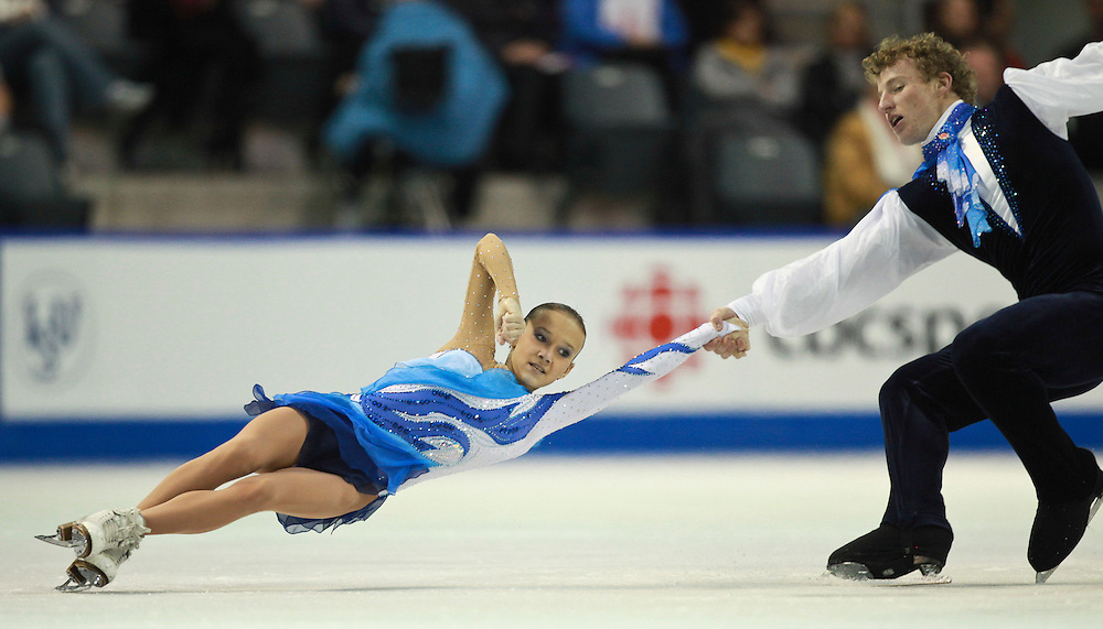 20101030 -- Kingston, Ontario -- Lubov Iliushechkina and Nodari Maisuradze of Russia skate to victory in the pairs competition at Skate Canada International in Kingston, Ontario, Canada, October 30, 2010. <br /> AFP PHOTO/Geoff Robins