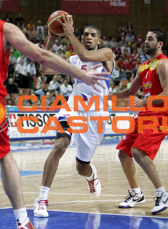 DESCRIZIONE : Katowice Poland Polonia Eurobasket Men 2009 Quarter Final Francia France Spagna Spain<br /> GIOCATORE : Nicolas Batum<br /> SQUADRA : Francia France<br /> EVENTO : Eurobasket Men 2009<br /> GARA : Francia France Spagna Spain<br /> DATA : 17/09/2009 <br /> CATEGORIA :<br /> SPORT : Pallacanestro <br /> AUTORE : Agenzia Ciamillo-Castoria/H.Bellenger<br /> Galleria : Eurobasket Men 2009 <br /> Fotonotizia : Katowice  Poland Polonia Eurobasket Men 2009 Quarter Final Francia France Spagna Spain<br /> Predefinita :