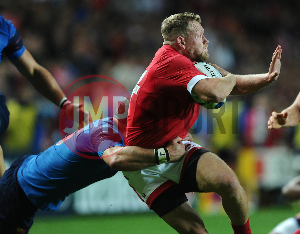 Scott Spedding of France tackles Phil Mackenzie of Canada  - Mandatory byline: Joe Meredith/JMP - 07966386802 - 01/10/2015 - Rugby Union, World Cup - Stadium:MK -Milton Keynes,England - France v Canada - Rugby World Cup 2015