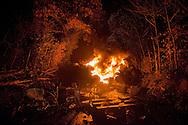 © Benjamin Girette / IP3 PRESS : le 23 Novembre 2012 - Operation d'evacuation par les forces de police - Une barricade en feu - Dans la ZAD (Zone a Defendre) - Territoire prévu pour le projet d'aeroport - a proximité de Notre Dame des Landes.