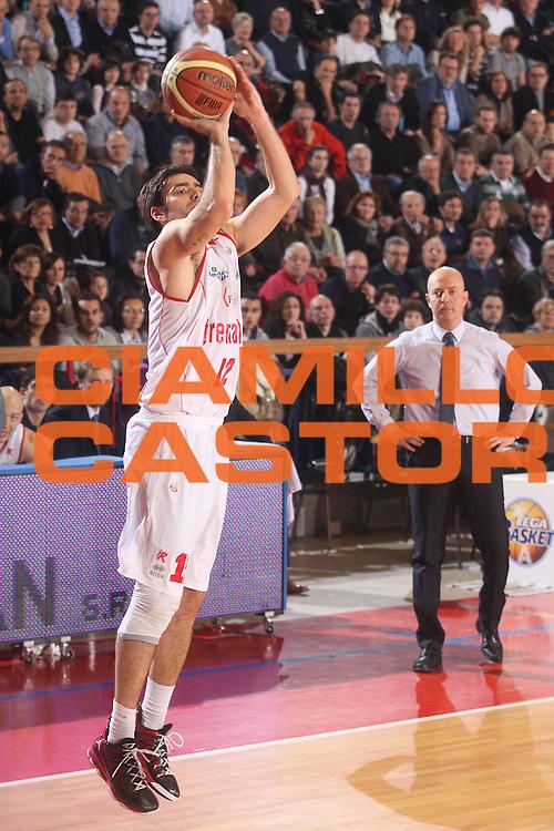 DESCRIZIONE : Reggio Emilia Lega A 2012-13 Trenkwalder Reggio Emilia Enel Brindisi<br /> GIOCATORE : Demian Filloy<br /> CATEGORIA : tiro<br /> SQUADRA : Trenkwalder Reggio Emilia <br /> EVENTO : Campionato Lega A 2012-2013 <br /> GARA : Trenkwalder Reggio Emilia Enel Brindisi<br /> DATA : 02/12/2012<br /> SPORT : Pallacanestro <br /> AUTORE : Agenzia Ciamillo-Castoria/P. Boccaccini<br /> Galleria : Lega Basket A 2012-2013  <br /> Fotonotizia : Reggio Emilia Lega A 2012-13 Trenkwalder Reggio Emilia Enel Brindisi