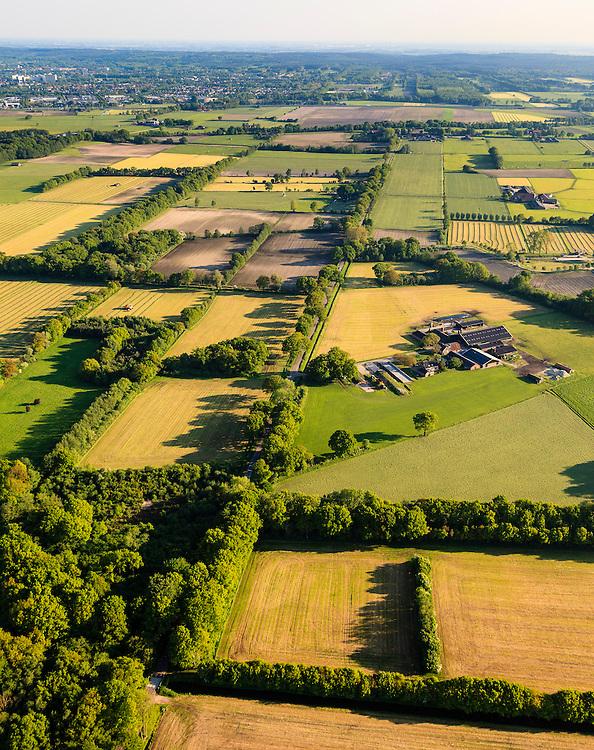 Nederland, Utrecht, Utrechtse Heuvelrug, 27-05-2013; buurschap en buitengebied De Groep.<br /> Tijdens de Tweede Wereldoorlog lag de Grebbelinie in dit gebied met oorlogsschade <br /> aan boerderijen en landerijen als gevolg. Herstel en ruilverkaveling na de oorlog, wederopbouwgebied.<br /> <br /> QQQ<br /> luchtfoto (toeslag op standard tarieven)<br /> aerial photo (additional fee required)<br /> copyright foto/photo Siebe Swart