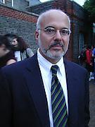 Jay Gorney at Gillian Wearing private view. Serpentine. London. 15 September 2000. © Copyright Photograph by Dafydd Jones 66 Stockwell Park Rd. London SW9 0DA Tel 020 7733 0108 www.dafjones.com