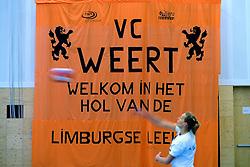 17-04-2011 VOLLEYBAL: FINAL VC WEERT - HEUTINK POLLUX: WEERT<br /> Spandoek VC Weert - vlag creative<br /> &copy;2011 Ronald Hoogendoorn Photography