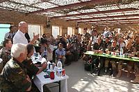 11 AUG 2003, KABUL/AFGANISTAN:<br /> Peter Struck, SPD, Bundesverteidigungsminister, im Gesraech mit Soldaten des deutschen Kontingents der International Security Assistance Force, ISAF, Camp Warehouse, Lager der ISAF Truppen in der Naehe von Kabul<br /> IMAGE: 20030811-01-086<br /> KEYWORDS: Bundeswehr, Streitkraefte, Streitkräfte,   Bundeswehr,