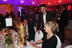 15-05-2010 VOETBAL: CHAMPIONSPARTY BAYERN MUNCHEN: BERLIN<br /> Mark van Bommel<br /> ©2010- FRH nph /  PO