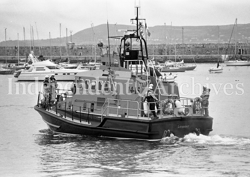 Irish Coast Guard Lifeboat taking part in the Dept of Marine Emergency Rescue Services demonstration at Dun Laoghaire, Dublin, 23/06/1996 (Part of the Independent Newspapers Ireland/NLI Collection).
