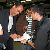 Reno at Paris Airport 05/18/2002