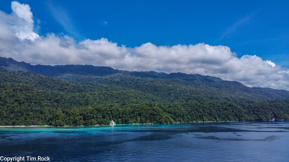 DCIM\100MEDIA\DJI_0044.JPG Triton Bay Dec 2019 (West Papua Indonesia)
