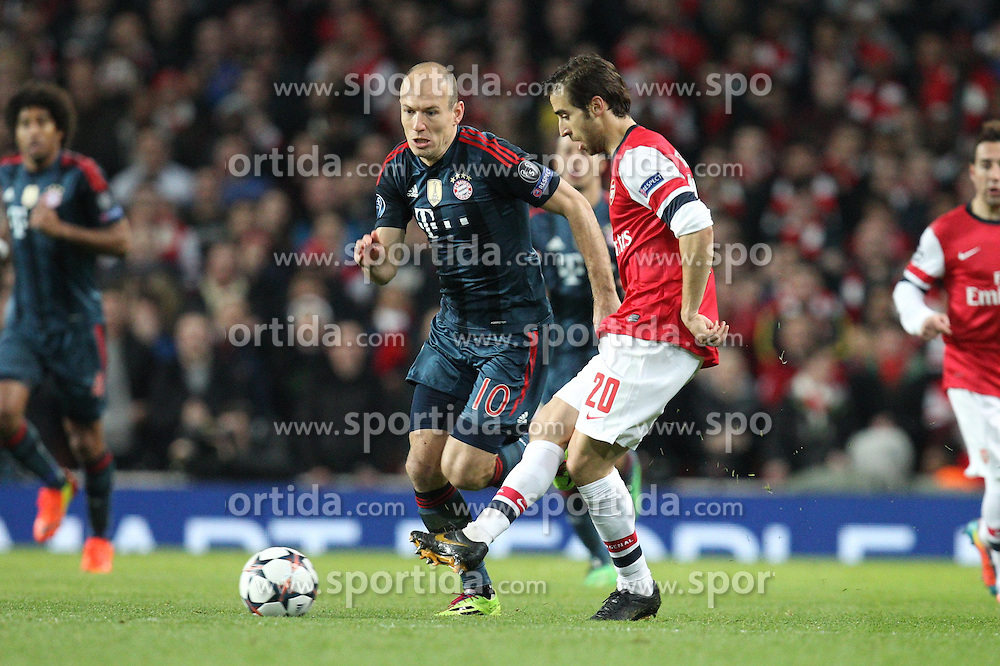 19.02.2014, Emirates Stadion, London, ENG, UEFA CL, FC Arsenal vs FC Bayern Muenchen, Achtelfinale, im Bild l-r: im Zweikampf, Aktion, mitArjen ROBBEN #10 (FC Bayern Muenchen), Mathieu Flamini #20 (FC Arsenal London) // during the UEFA Champions League Round of 16 match between FC Arsenal and FC Bayern Munich at the Emirates Stadion in London, Great Britain on 2014/02/19. EXPA Pictures © 2014, PhotoCredit: EXPA/ Eibner-Pressefoto/ Kolbert<br /> <br /> *****ATTENTION - OUT of GER*****