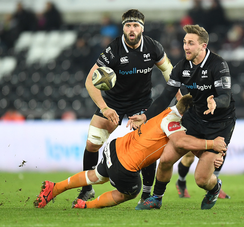 Ospreys' Ashley Beck<br /> <br /> Photographer Mike Jones/Replay Images<br /> <br /> Guinness PRO14 Round Round 16 - Ospreys v Cheetahs - Saturday 24th February 2018 - Liberty Stadium - Swansea<br /> <br /> World Copyright © Replay Images . All rights reserved. info@replayimages.co.uk - http://replayimages.co.uk