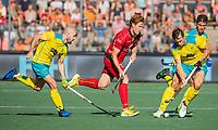 AMSTELVEEN - Gauthier Boccard (Belgie)  met Matthew Swann (Austr.)  en Tom Craig (Austr.)  tijdens  de finale   Australie-Belgie (3-2) ,  bij  de Pro League Grand Final hockeywedstrijd heren.COPYRIGHT KOEN SUYK