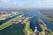 Nederland, Noord-Holland, Gemeente Velsen, 09-04-2014; Noordzeekanaal met sluizen IJmuiden. Noordersluis en Middensluis (voorgrond). Links de spuikanaal en Tata Steel (voorheen Corus, Hoogovens).<br /> Entrance Noorzee-channel with locks and Tata Steel (left).<br /> luchtfoto (toeslag op standard tarieven);<br /> aerial photo (additional fee required);<br /> copyright foto/photo Siebe Swart