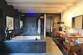 Vintage Bathroom 680