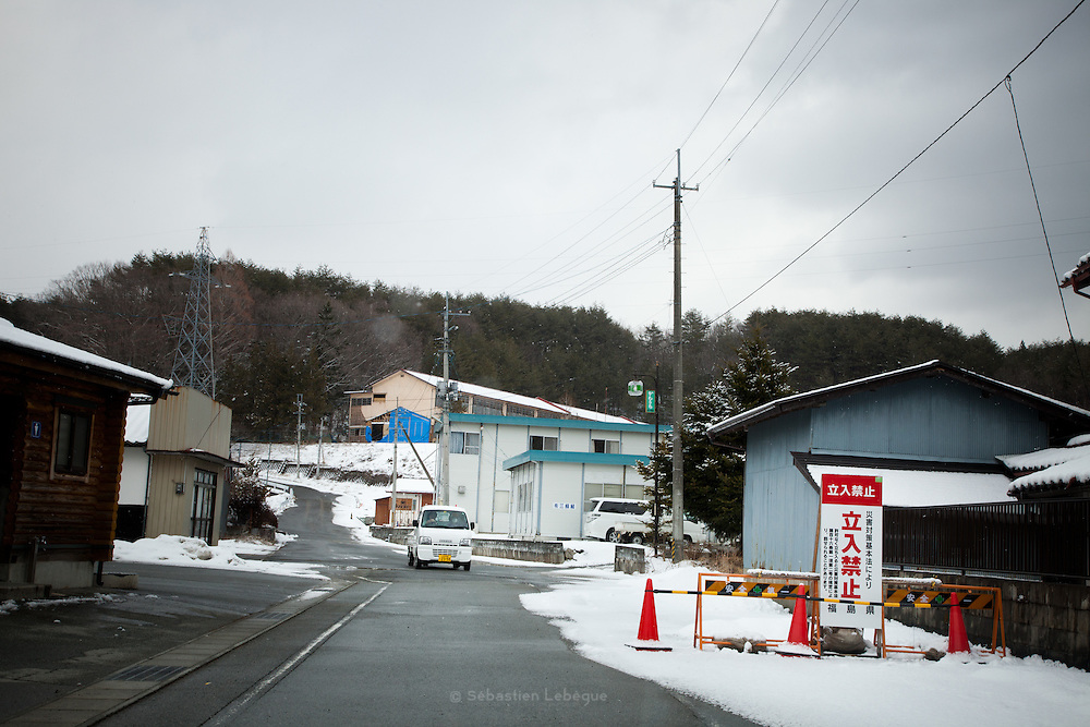 Fukushima  Furumichi  Village on the Border of the évacuation zone - March 2012.Furimichi is just situated on the border o the évacuation zone. The village is not closed totaly, people can go in the radioactive part of the village and enter the 20 km zone..The level of radiation in the village is arround 2.5MicroSV/h.