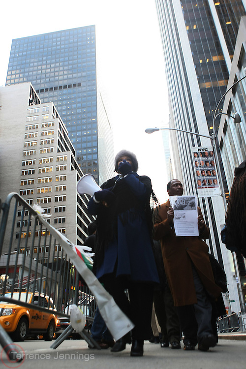 20 February 2009 NY, NY -Atmosphere at Day 2 of New York Post Protest by Rev. Al Sharpton and The National Network against offensive cartoon depicting dead Chimpanzee as President Obama.