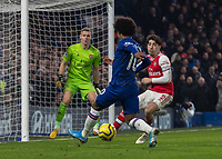 Football - 2019 / 2020 Premier League - Chelsea vs. Arsenal<br /> <br /> Hector Bellerin (Arsenal FC) defends as Willian (Chelsea FC) attacks at Stamford Bridge <br /> <br /> COLORSPORT/DANIEL BEARHAM