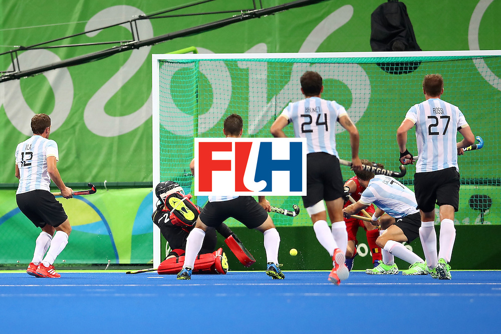 RIO DE JANEIRO, BRAZIL - AUGUST 18:  Argentina celebrate Argentina goal during the Men's Hockey Gold Medal match between Belgium and Argentina on Day 13 of the Rio 2016 Olympic Games at Olympic Hockey Centre on August 18, 2016 in Rio de Janeiro, Brazil.  (Photo by Clive Brunskill/Getty Images)