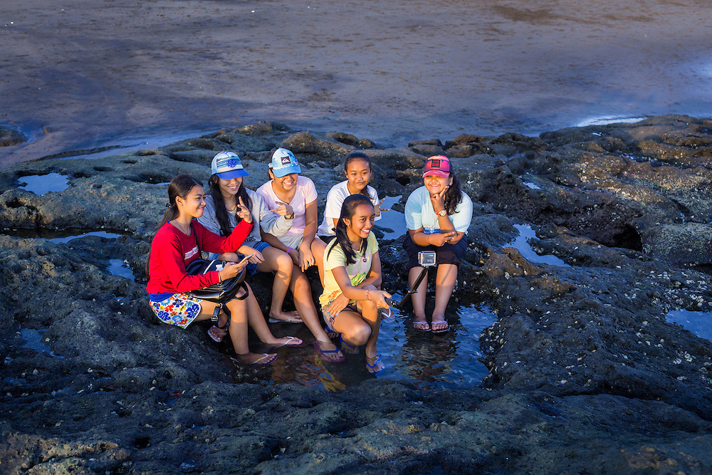 Taking a group selfie at Echo beach, Canggu.