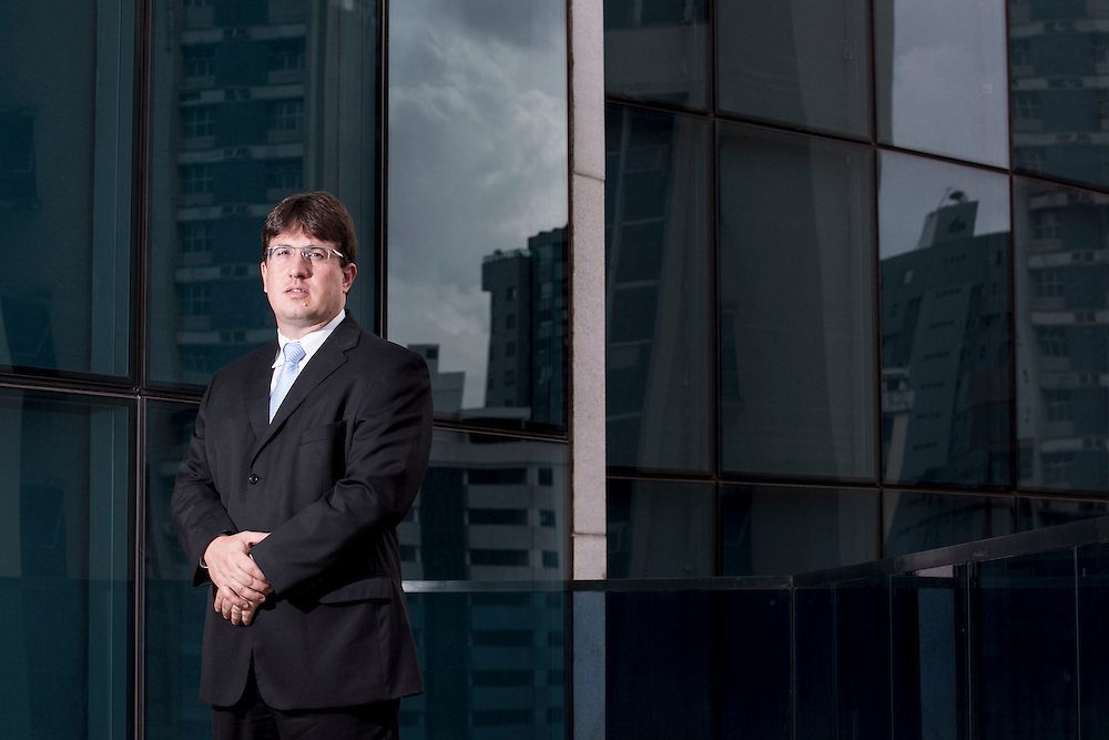 Belo Horizonte_MG, Brasil.<br /> <br /> Retrato de Thiago Colnago Cabral  juiz de Governador Valadares, Minas Gerais.<br /> <br /> Portrait of Thiago Colnago Cabral, judge of Governador Valadares, Minas Gerais.<br /> <br /> Foto: RODRIGO LIMA / NITRO