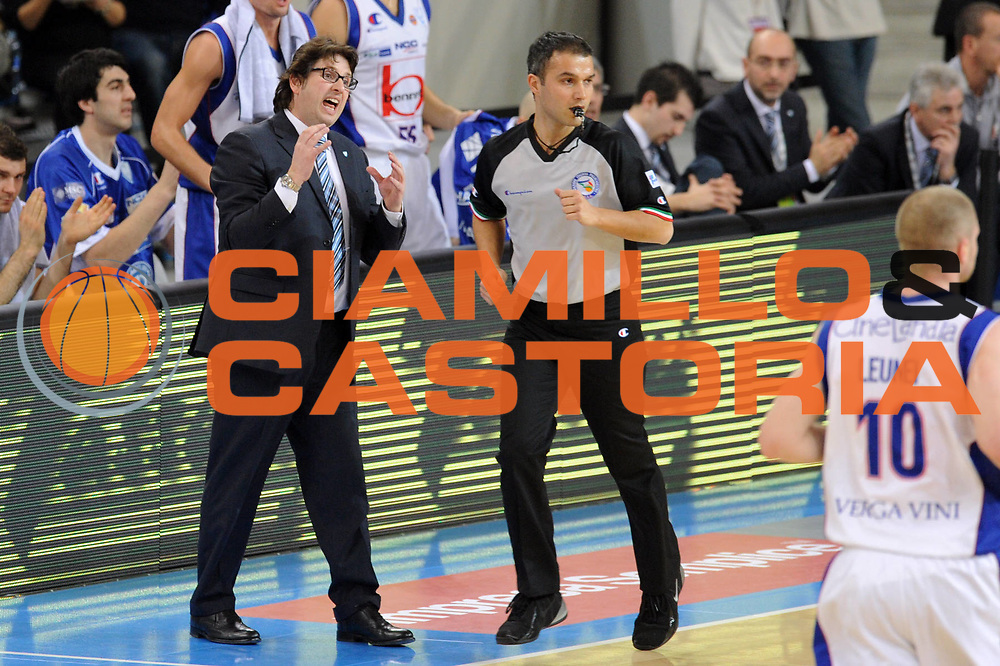 DESCRIZIONE : Torino Coppa Italia Final Eight 2012 Quarto di Finale Bennet Cantu Sidigas Avellino<br /> GIOCATORE : Andrea Trinchieri Coach<br /> SQUADRA : Bennet Cantu <br /> EVENTO : Suisse Gas Basket Coppa Italia Final Eight 2012<br /> GARA : Bennet Cantu Sidigas Avellino<br /> DATA : 17/02/2012<br /> CATEGORIA : ritratto<br /> SPORT : Pallacanestro<br /> AUTORE : Agenzia Ciamillo-Castoria/GiulioCiamillo<br /> Galleria : Final Eight Coppa Italia 2012<br /> Fotonotizia : Torino Coppa Italia Final Eight 2012 Quarto di Finale Bennet Cantu Sidigas Avellino<br /> Predefinita :