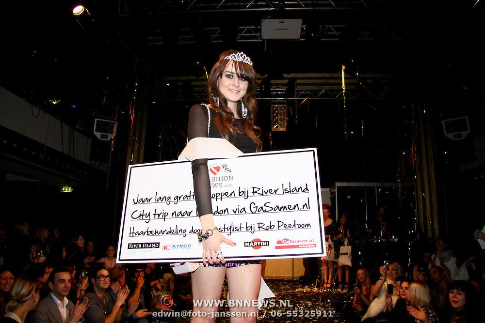 NLD/Amsterdam/20100215 -  inloop verkiezing Miss i Love Fashion, winnaar Miss i Love Fashion 2010 Sylvia Torres