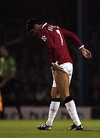 Photo: Olly Greenwood.<br />Southend United v Manchester United. Carling Cup. 07/11/2006. Manchester United's Cristiano Ronaldo nurses an injured leg
