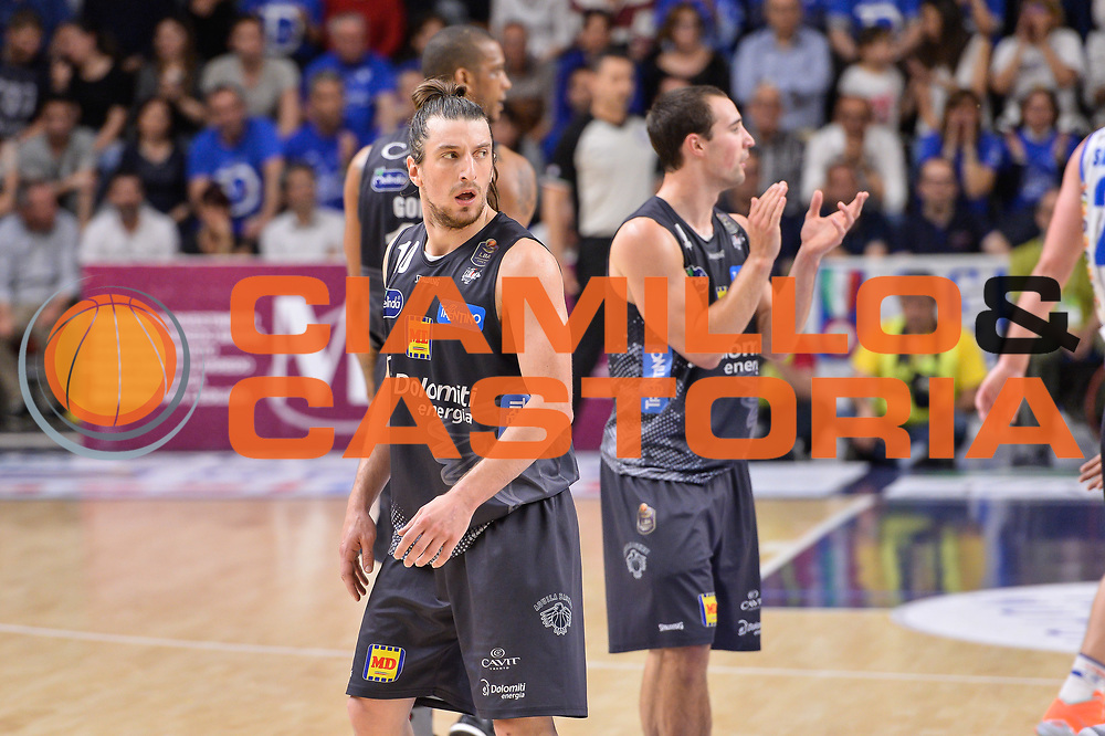 Toto Forray, Aaron Craft<br /> Banco di Sardegna Dinamo Sassari - Dolomiti Energia Aquila Basket Trento<br /> Legabasket Serie A LBA Poste Mobile 2016/2017<br /> Playoff Quarti Gara3<br /> Sassari 16/05/2017<br /> Foto Ciamillo-Castoria