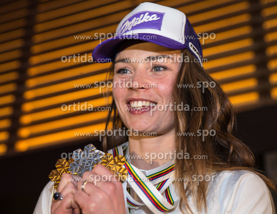 09.02.2015, Solaris Placa, Vail, USA, FIS Weltmeisterschaften Ski Alpin, Damen, Kombination, Fototermin in der Audi Lounge, im Bild Tina Maze (SLO) // Tina Maze of Slovenia during a photocall after ladie's Combined of FIS Ski World Championships 2015 held at the House Audi Lunge in Vail, United States on 2015/02/09. EXPA Pictures © 2015, PhotoCredit: EXPA/ Johann Groder