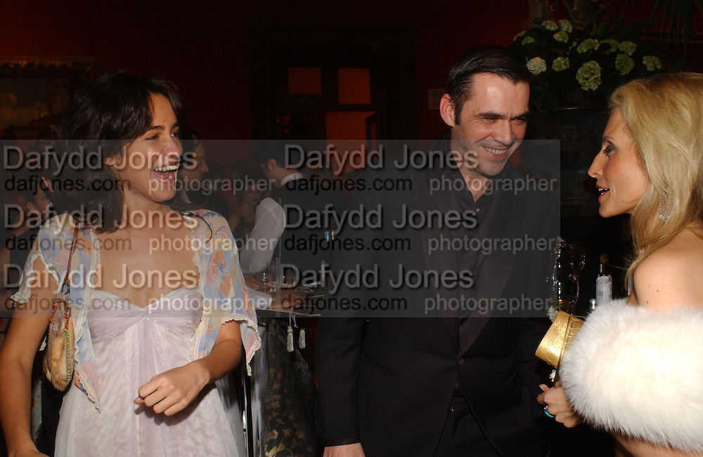 Coco Brandolini, Roland Mouret and Pia Getty. Belle Epoche gala fundraising dinner. National Gallery. 16 March 2006. ONE TIME USE ONLY - DO NOT ARCHIVE  © Copyright Photograph by Dafydd Jones 66 Stockwell Park Rd. London SW9 0DA Tel 020 7733 0108 www.dafjones.com