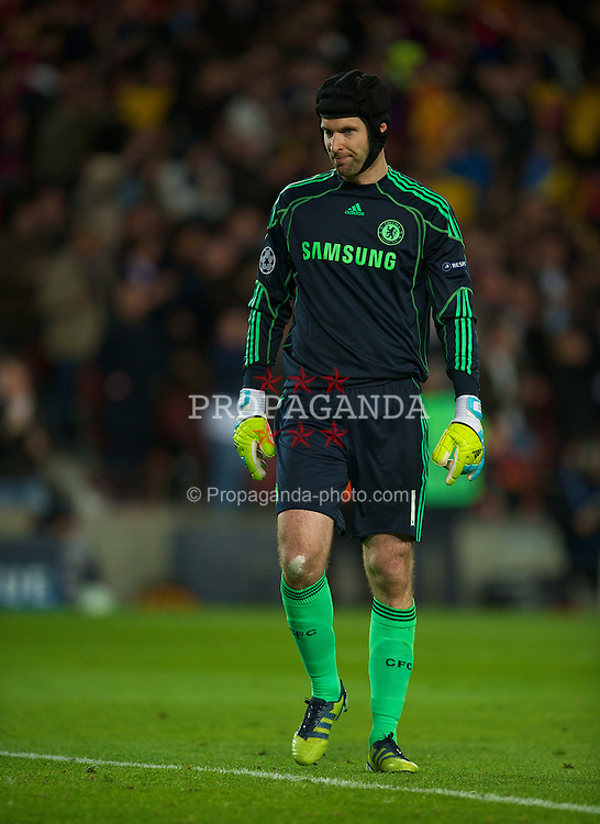 BARCELONA, SPAIN - Tuesday, April 24, 2012: Chelsea's goalkeeper Petr Cech looks dejected after conceding the opening goal to FC Barcelona during the UEFA Champions League Semi-Final 2nd Leg match at the Camp Nou. (Pic by David Rawcliffe/Propaganda)