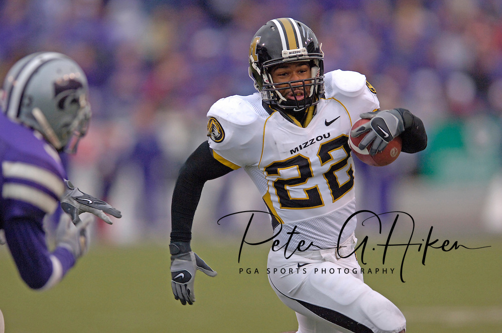 Missouri running back Tony Temple (22) rushes up field in the second half against Kansas State at Bill Snyder Family Stadium in Manhattan, Kansas, November 19, 2005.  K-State defeated the Missouri Tigers 36-28.