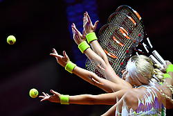 20.04.2016, Porsche Arena, Stuttgart, GER, WTA Tour, Porsche Tennis Grand Prix Stuttgart, im Bild Kristina Mladenovic (FRA) Aufschlag Multishot Mehrfachbelichtung Feature // during Porsche Tennis Grand Prix of the WTA Tour at the Porsche Arena in Stuttgart, Germany on 2016/04/20. EXPA Pictures © 2016, PhotoCredit: EXPA/ Eibner-Pressefoto/ Weber<br /> <br /> *****ATTENTION - OUT of GER*****