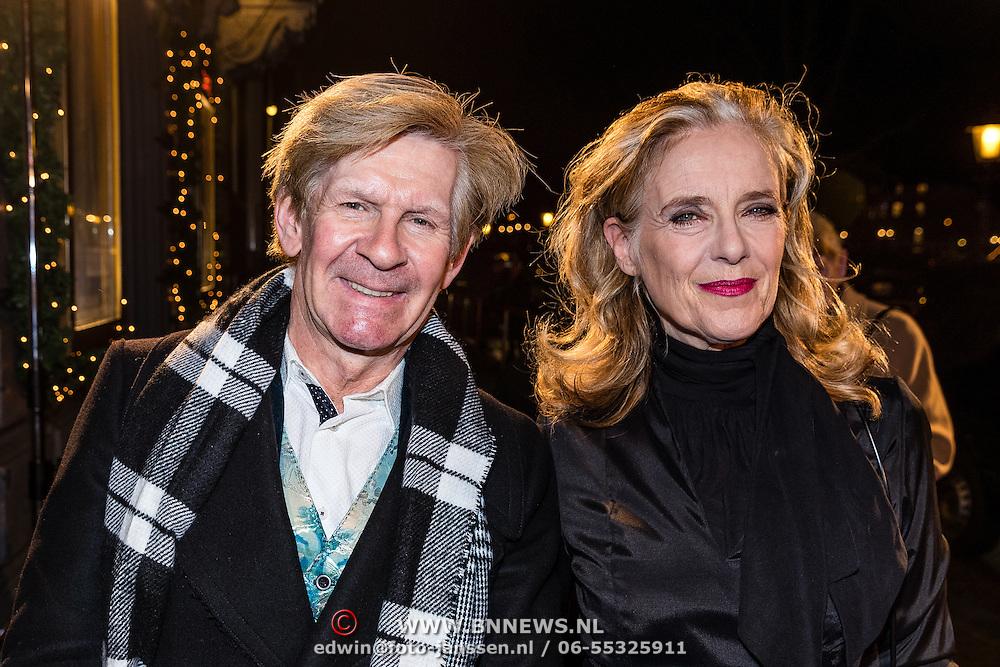 NLD/Amsterdam/20161222 - Première 32ste Wereldkerstcircus, Addy van den Krommenacker en Jette van der Meij